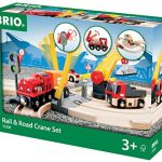 Brio 33208 - Set de carretera y vías de tren con grúa de mercancías (26 piezas, 59 x 56 cm) [importado de Alemania]